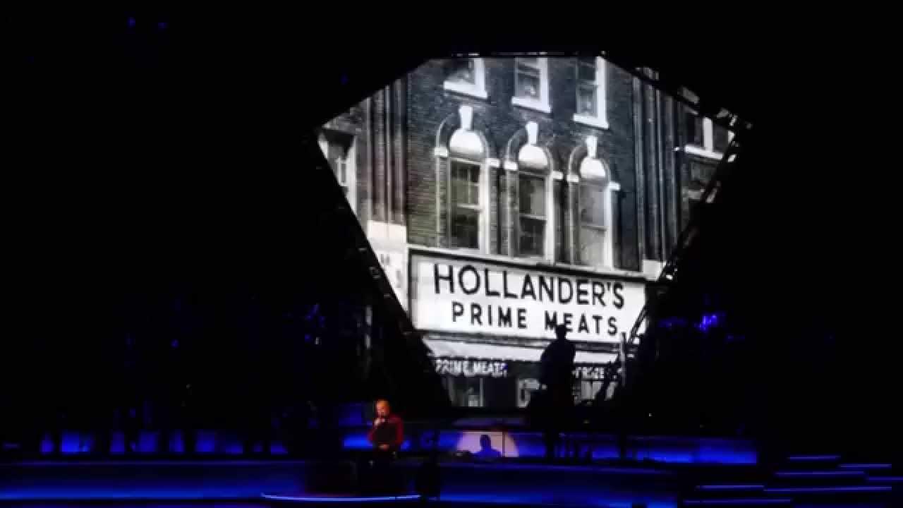 Neil Diamond - Ziggo Dome - Brooklyn Roads - YouTube