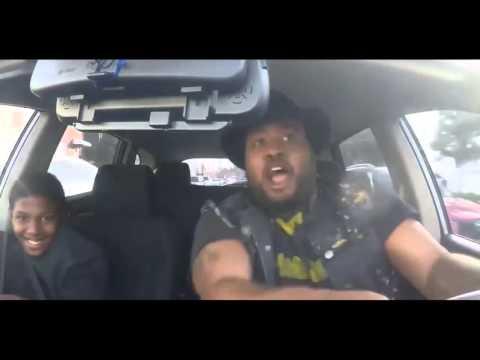 Домашнее порно: Жену ебет её друг в машине, муж снимает