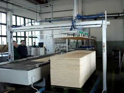 Automatic wood plate vacuum lifter - YouTube