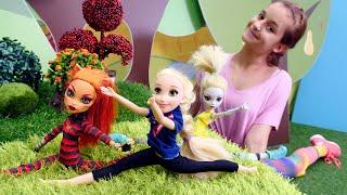 Фото Куклы Монстер Хай и Рапунцель занимаются гимнастикой. Игры одевалки.