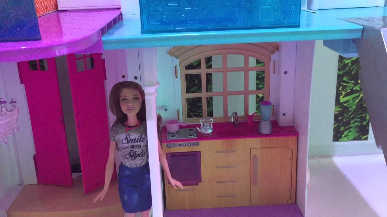 Barbie S New Hello Dreamhouse Responds To Your Verbal Commands