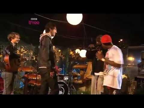 Dizzee Rascal and Calvin Harris Acoustic - Glastonbury 2008