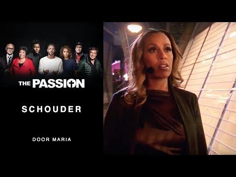8. Schouder - Glennis Grace (The Passion 2018 - Amsterdam, De Bijlmer)