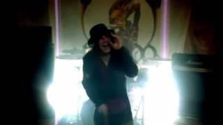 Rishloo - Freaks & Animals (720p)