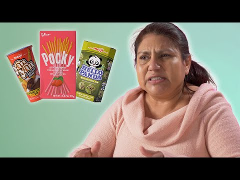 Mexican Moms Try Japanese Snacks
