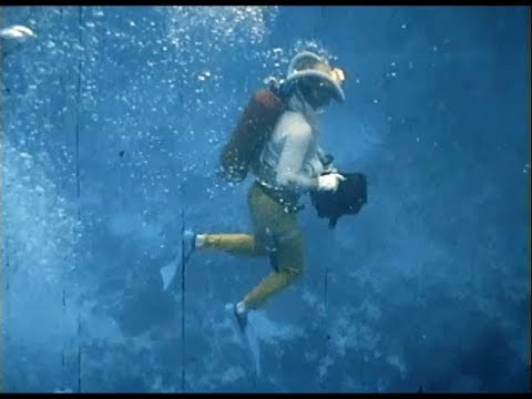 Vintage Underwater Motion Picture Photography SCUBA Divers ...