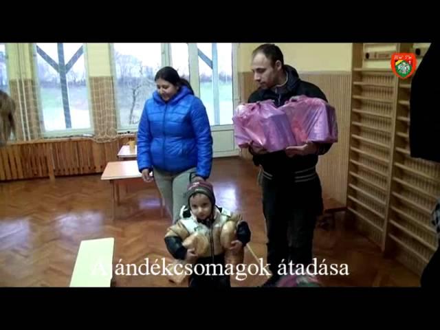 Rakamazi ajándékcsomagok átadása