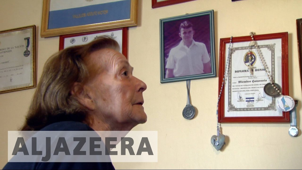 Argentine veterans attempt to identify Falkland graves