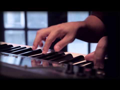 "Mateo Moreno ""Tuyo"" / Video Oficial"