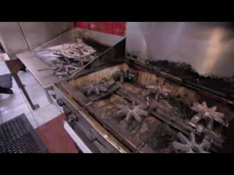 kitchen Nightmares S01E02 part2(Uncensored) - YouTube