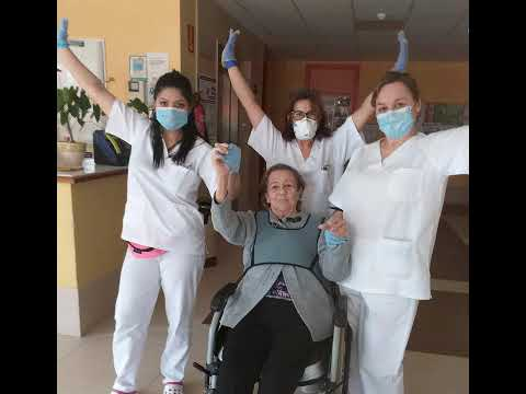"""La residencia San Bartolomeu de Xove """"levanta las manos"""" contra el coronavirus"""