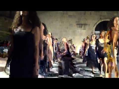 INTRODUCTIO AD REGNUM TARANTULAE di LUDOVICO EINAUDI coreografia Maristella Martella