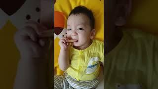 생애 첫 떡뻥 시식! (6개월 아기)