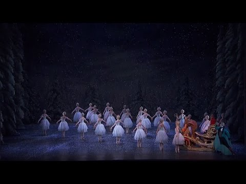 The Nutcracker – The Waltz of the Snowflakes (The Royal Ballet)