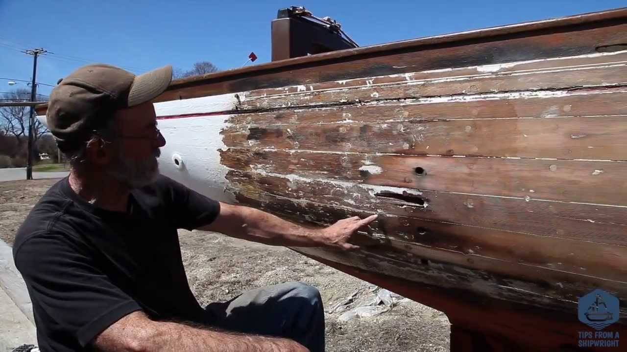 How to strip paint off your wooden boat using a heat for Heat gun to remove paint