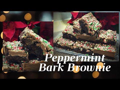 peppermint-bark-brownies-(christmas-edition) brownie-à-l'écorce-de-menthe-poivrée براوني-النعناع