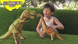 Skyheart DINOSAUR FIGHT! Jurassic battle dino box trex brachiosaurus