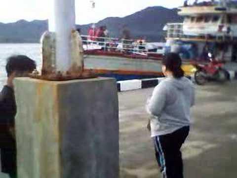 kalamansig pier.. mga pasaway (going home na po!)