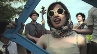 Смотреть клип Monsieur Periné - Suin Romanticón