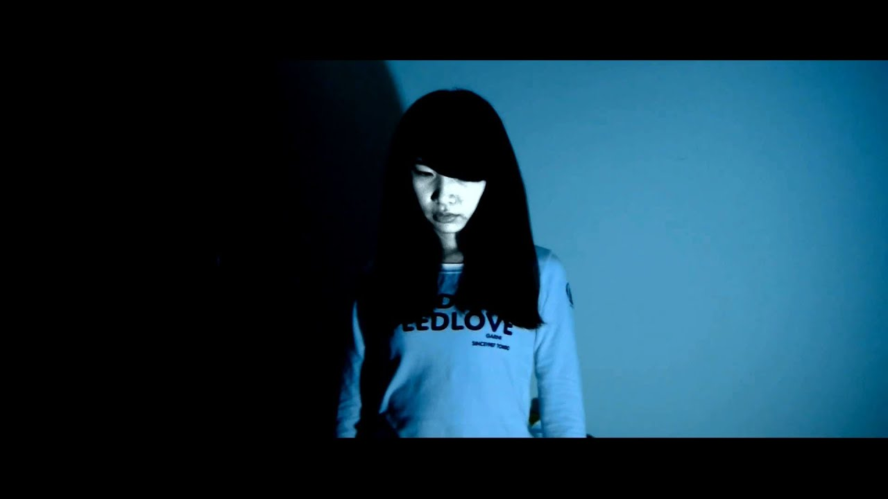 2013 清大藍天社校慶鬼屋【窒愛】微電影 - YouTube