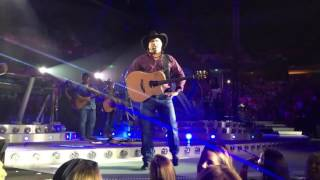 Garth Brooks gives 11 Year Old Girl His Guitar!
