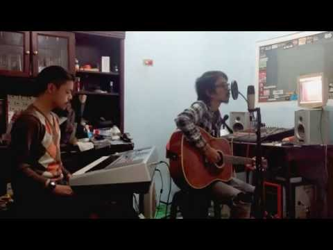 FIERSA BESARI - April (unplugged)