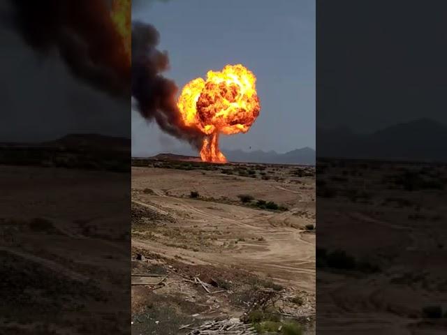باتيس .. اللحظات الأولى لإنفجار  مصنع الغاز في منطقة باتيس محافظة ابين