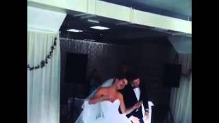 Молодожёны Дима и Марина зажигают!!!!Самый крутой танец жениха и невесты!!!