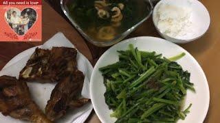 Gà chiên, Canh rau tần ô, cải bó xôi xào tỏi/Fried chicken, tungho soup, fried spinach with garlic