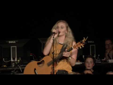 Hollyn - Alone @ Springtime Festival 2016 Live HD