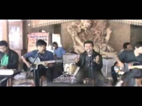 Expresso - Pihak Ke Tiga Cover By Shati Band Omah Kopi Purwodadi.wmv