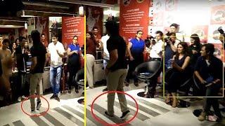 Baixar Tiger Shroff's Fabulous Moonwalk Like Michael Jackson at Fever 104 FM Studio