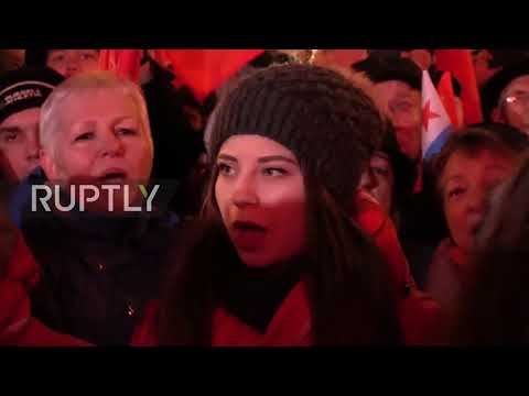 Russia: St. Petersburg march honours 100th anniversary of the October Revolution