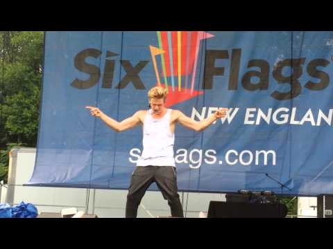 Cody Simpson iyiyi Live Six Flags New England