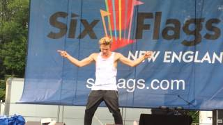 Cody Simpson iyiyi Live Six Flags New England
