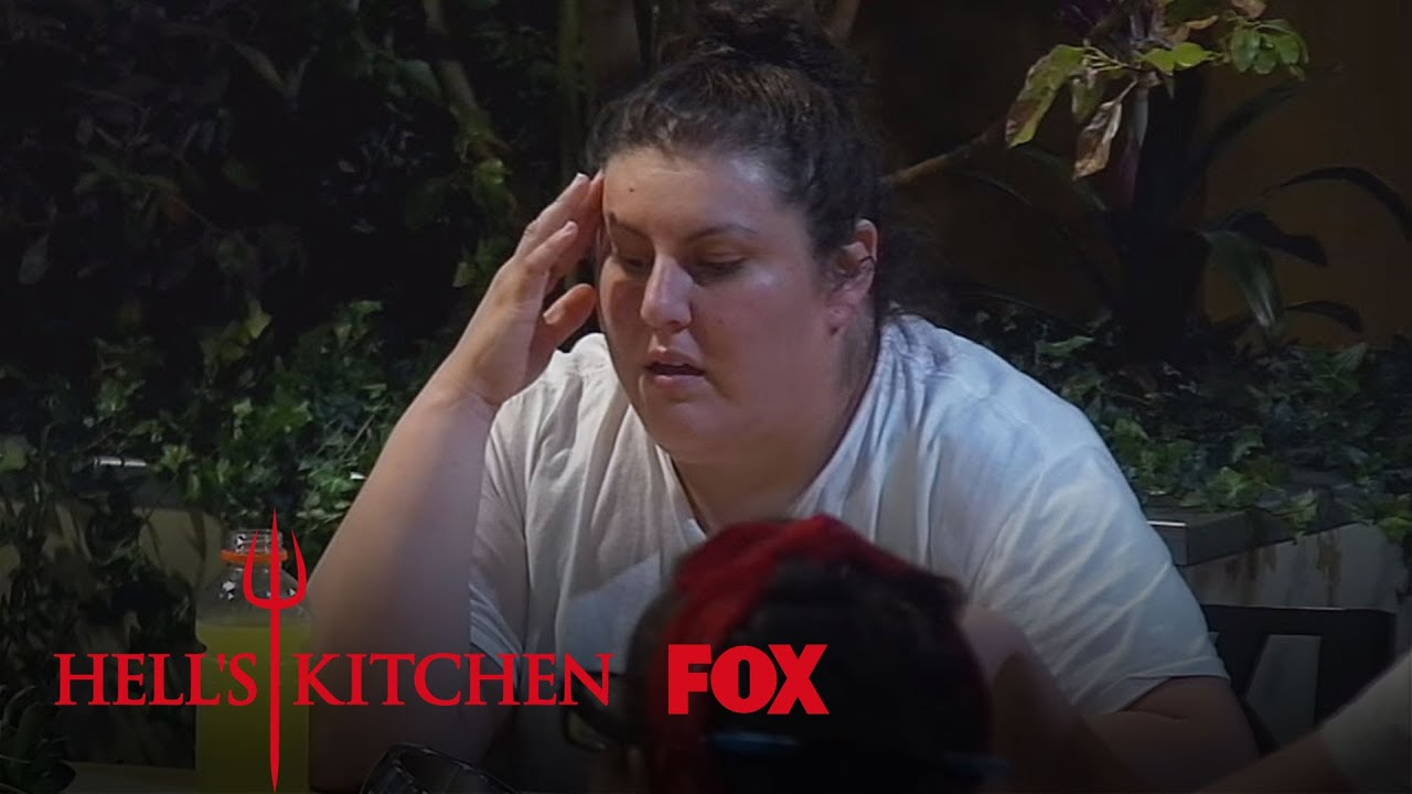 Tensions run high in the dorms season 15 ep 2 hell 39 s for Hell s kitchen season 15 episode 1