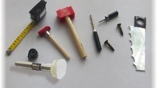 Cómo hacer herramientas para muñecas y muñecos / How to make a doll toolbox (ken) thumbnail