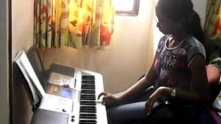 nannu dochukunduvate old telugu song on yamaha i425 keyboard by t.sahithi