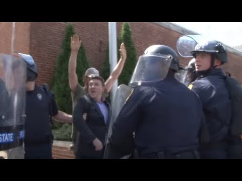 Raw Video: White Supremacist Rally Organizer Flees Protesters
