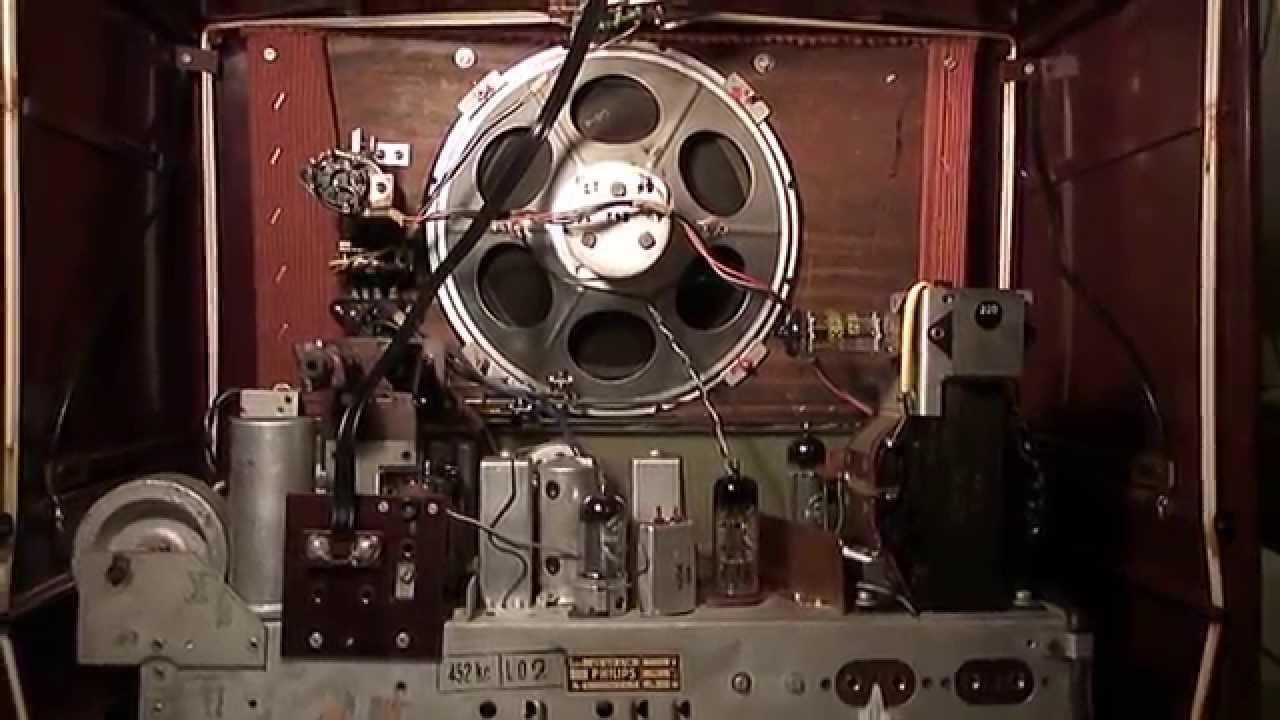 Restored 1954 Philips Model BX533A Vacuum Tube Radio