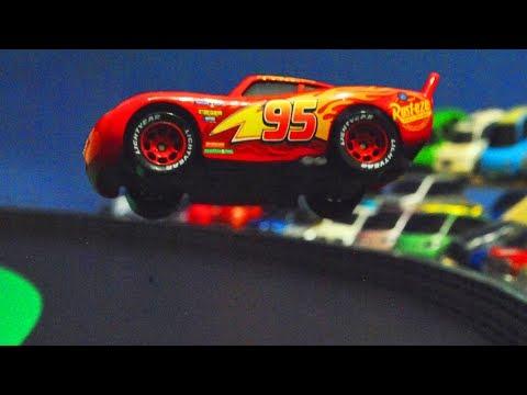 Movie Cars 3 : McQueens Crash Scene Reenactment - StopMotion