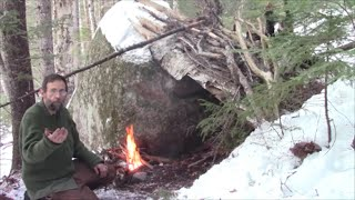 Winter Camping- No tent, N๐ sleeping bag. 12 °F Natural shelter- Bushcraft /Survival Skills