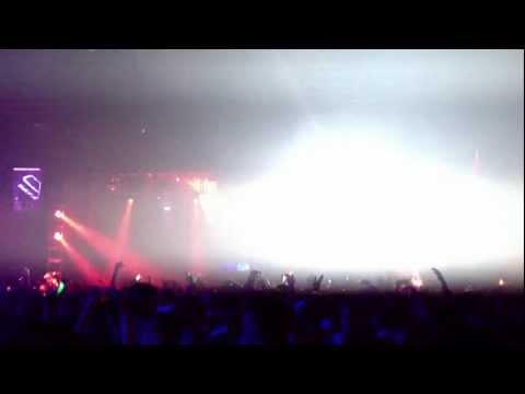 Blue Foundation - Eyes on Fire (Zeds Dead Remix) **LIVE**