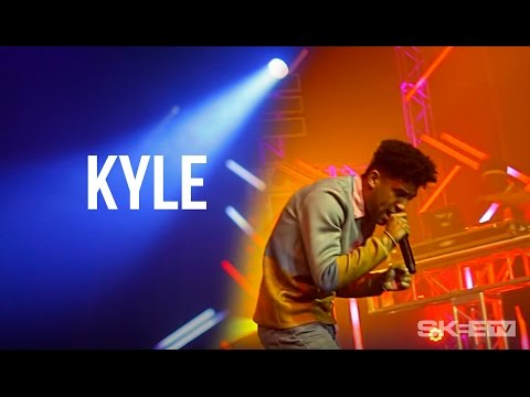 """KYLE """"Don't Wanna Fall In Love"""" Live on SKEE TV (Debut Television Performance)"""