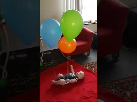 How to entertain your baby for hours