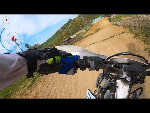 GoPro hot lap en MX avec une moto d'enduro