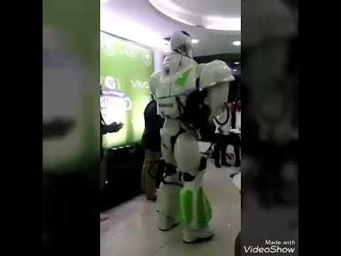 Un Robot dansant sur la Fuite de Vegedream😃