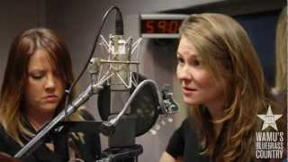 Della Mae - Paper Prince [Live at WAMU's Bluegrass Country] thumbnail