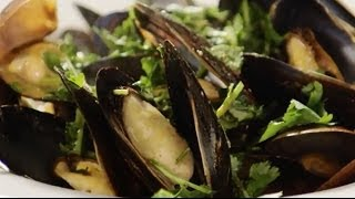 Seafood Recipes - How To Make Steamed Mussels