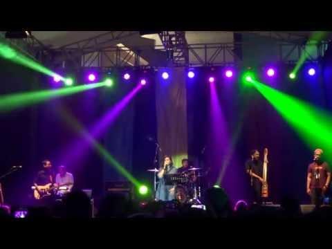 Jingga ~ Tentang Aku (The 90's Festival Jakarta 2015)